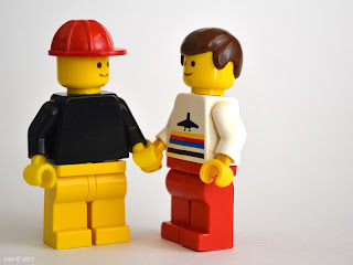 lego gay lovestory - holding hands