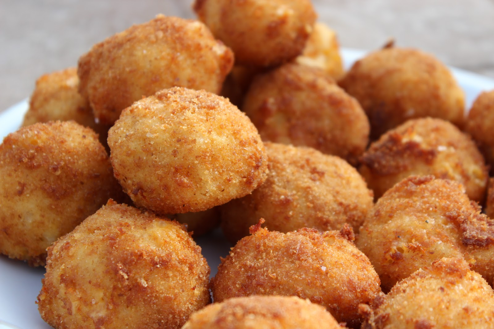 ... hubby made these AMAZING Fried Mac and Cheese Balls for Super Bowl