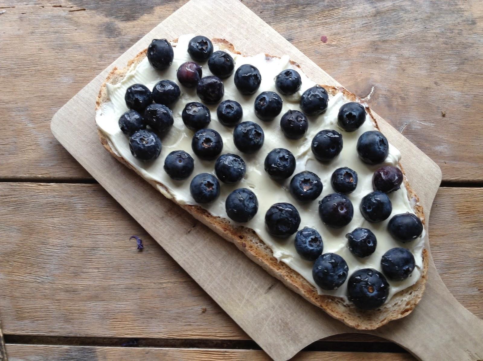 tartine aux myrtilles