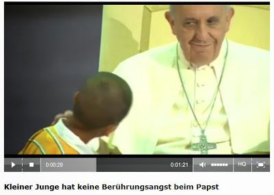 http://www.rp-online.de/panorama/ausland/kleiner-junge-stiehlt-papst-die-show-1.3784503