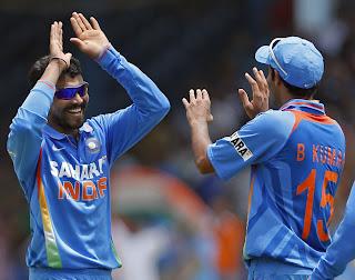Ravindra-Jadeja-Bhuvneshwar-Kumar-Final-India-vs-Srilanka-Tri-Series-2013