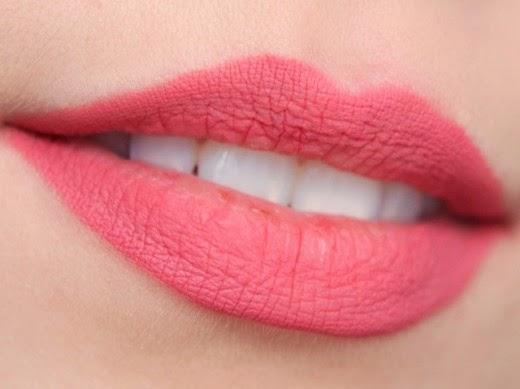 وصفات طبيعية لتفتيح لون الشفتين