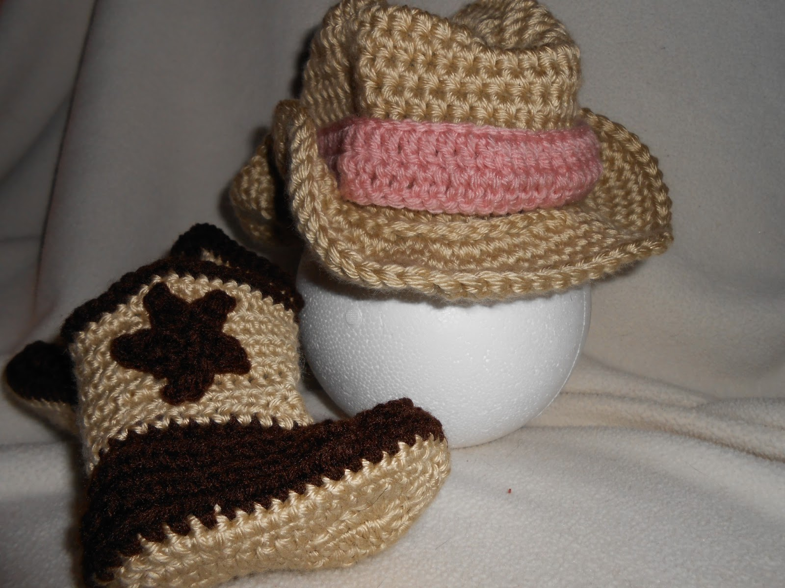Crochet Pattern For Cowboy Hat And Boots : Crochet Cysters Crafts: Cowboy Hat and Boots + more