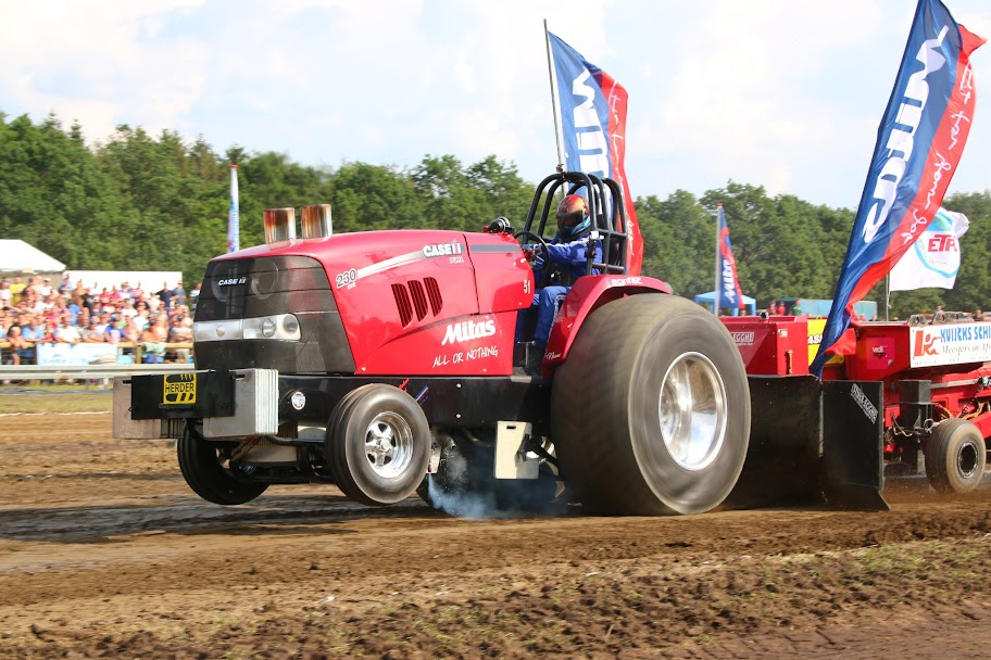 Case Ih Pulling Tractors : Tractor pulling news pullingworld mitas all or