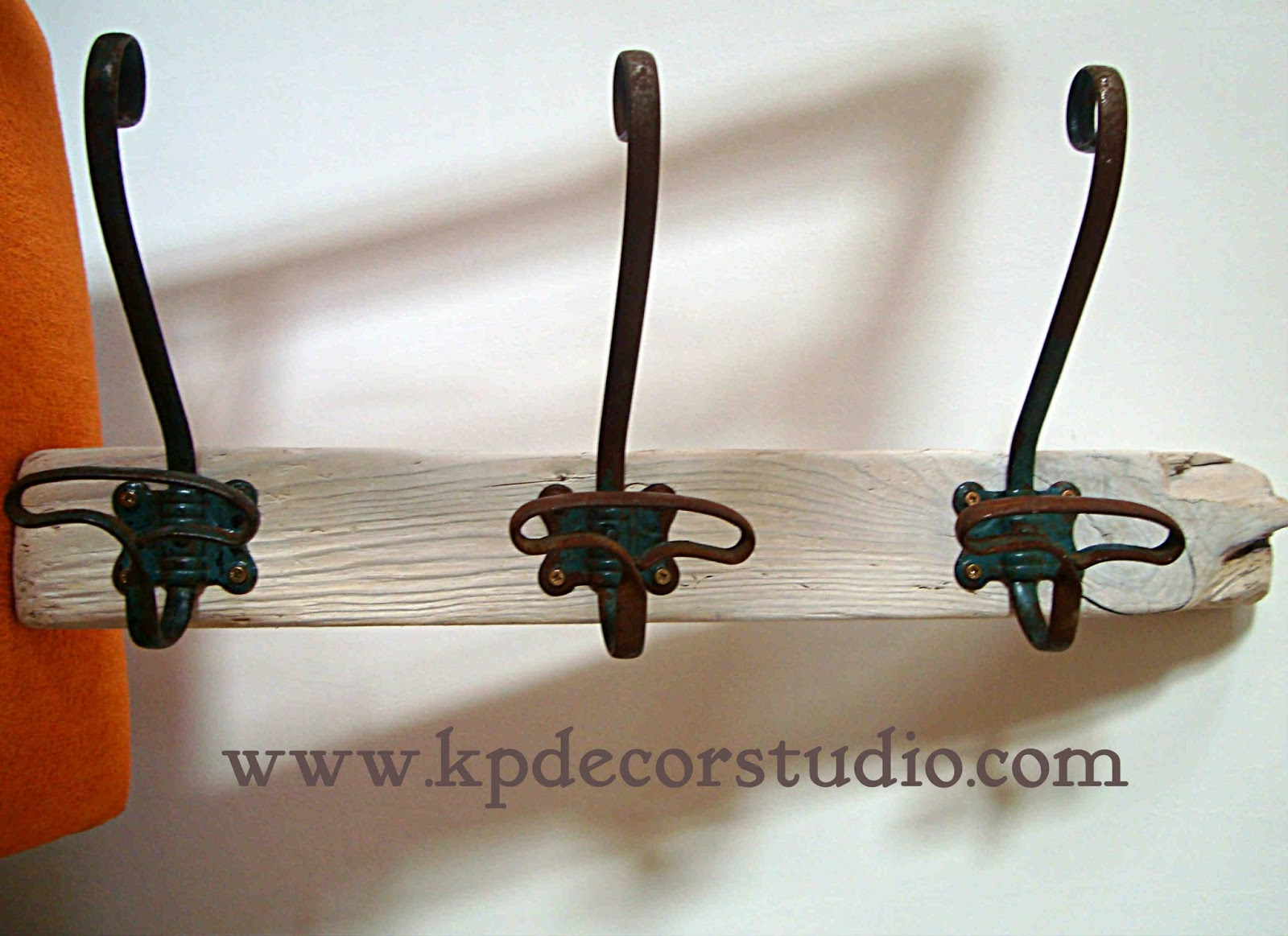 Kp tienda vintage online perchero artesanal de madera con for Como hacer un perchero de pared