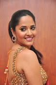 anasuya sizzling saree stills-thumbnail-12