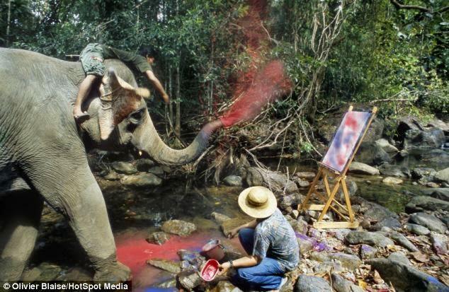 Nadie pinta mejor que un elefante