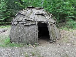 Wigwam abitazione dei popoli indiani e dell' america settentrionale formata da una struttura basata da rami
