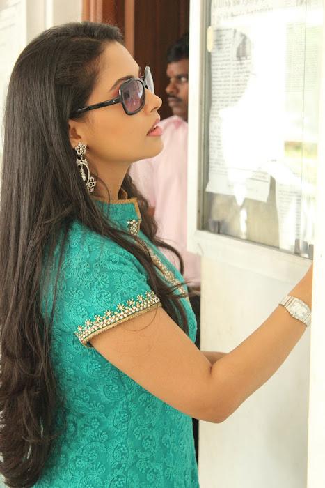 pooja in panimalar college hot photoshoot