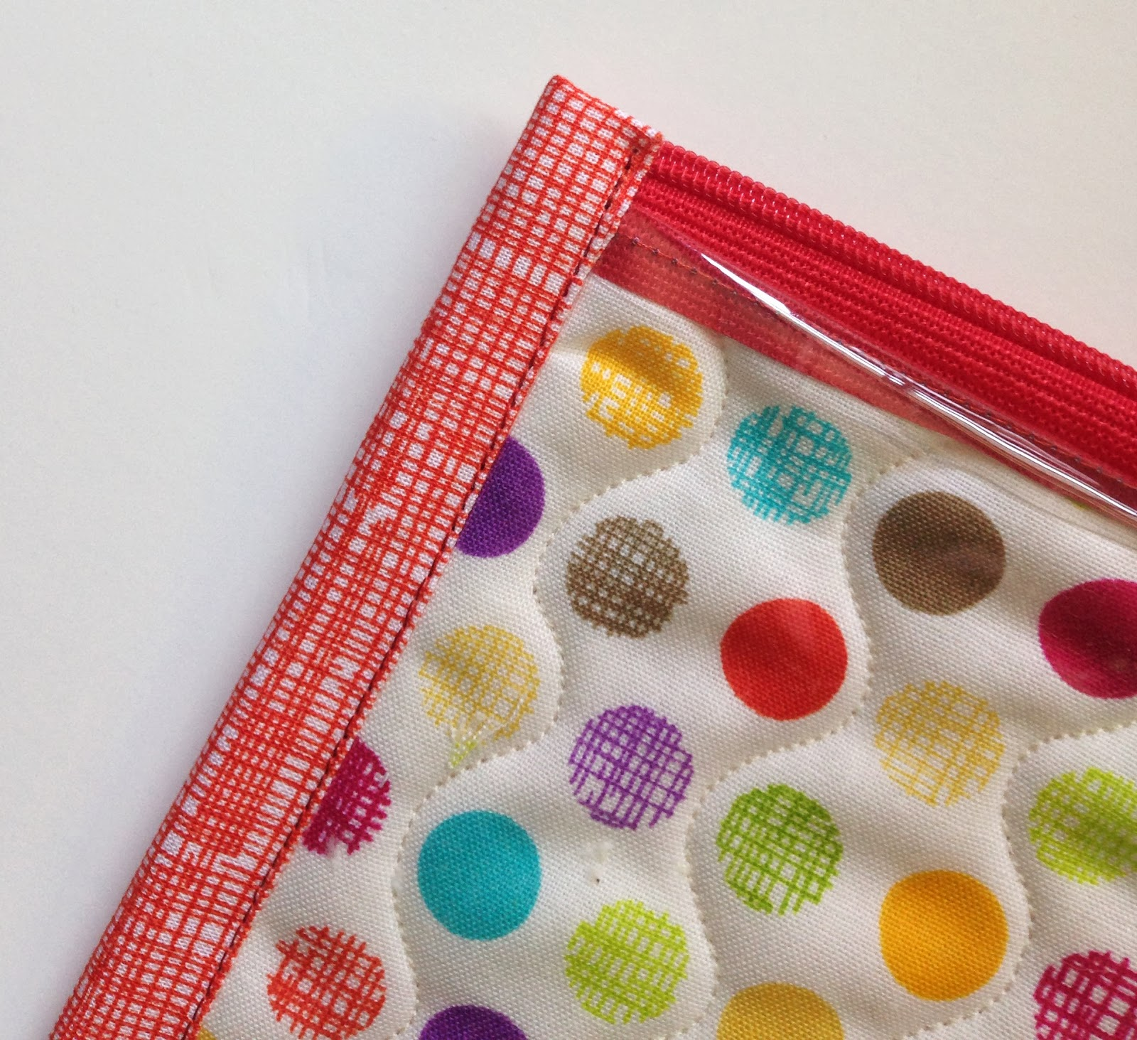 A Few Scraps Poly Pockets See Through Zipper Pouch Tutorial