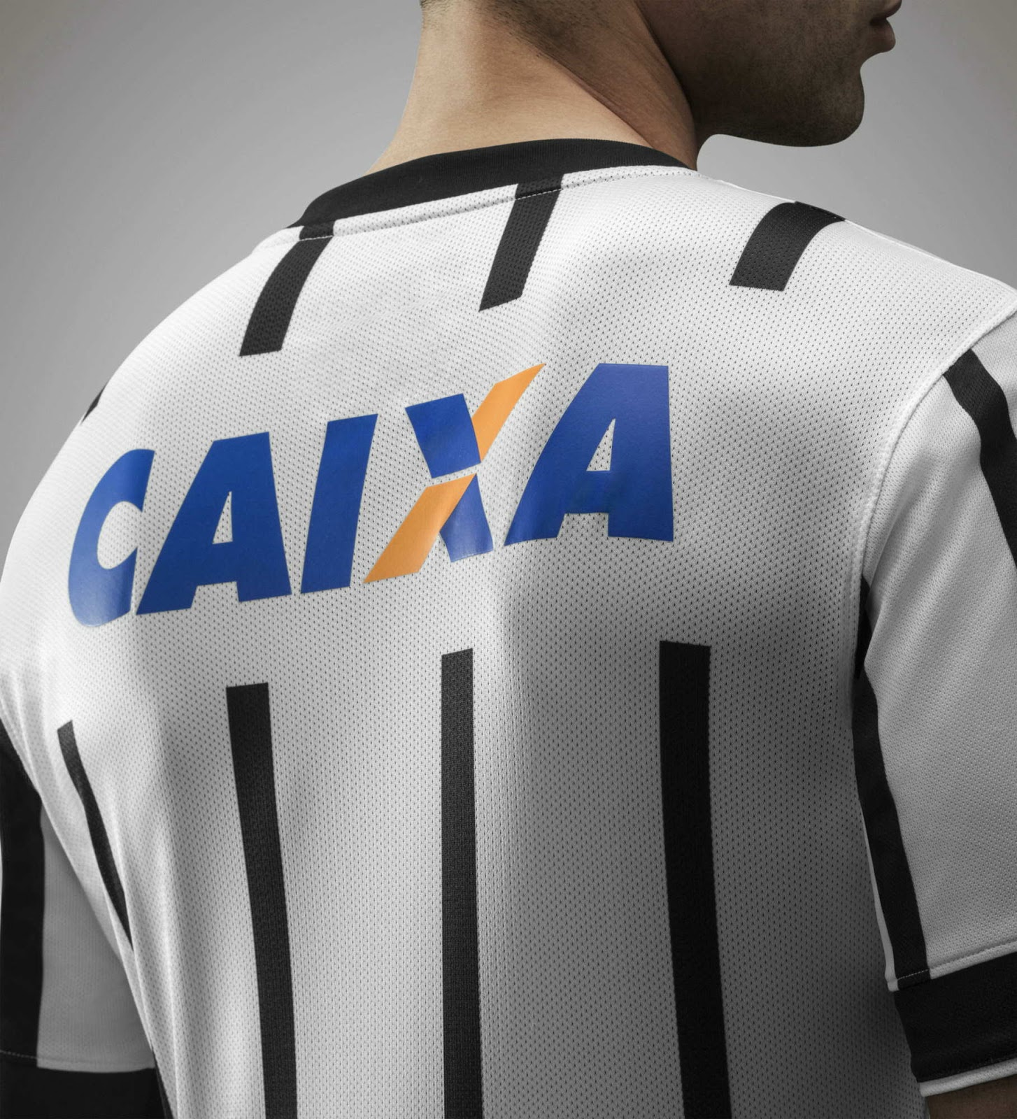http://3.bp.blogspot.com/-4Zf4SaMiog8/U9NxQZ4d45I/AAAAAAAAVH4/WiI-qVGfAEc/s1600/Nike-Corinthians-14-15-Home-Kit+(3).jpg