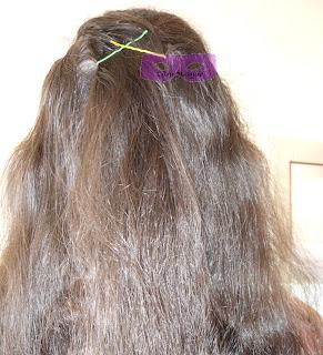 Comment+utiliser+une+%25C3%25A9pingle+%25C3%25A9pingles+plates+mille+et+une+1001+coiffure+coiffures+coifure+chignon+tuto+tutoriel.JPG