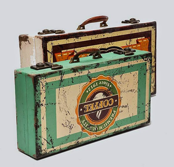 http://www.portobellostreet.es/mueble/40612/Set-2-Maletas-Decorativas-Vintage-Suitcase