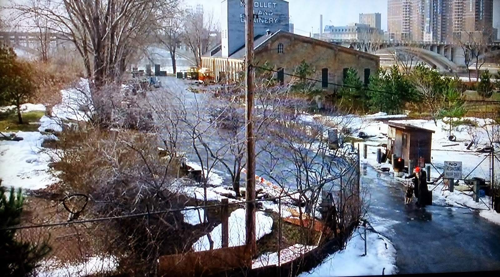 Rehab addict 1904 mansion - Located At 40 Power Street In Minneapolis Minnesota This Is The Location In Jingle All The Way Where All Of The Fake Santas Hid The Bootleg Gifts