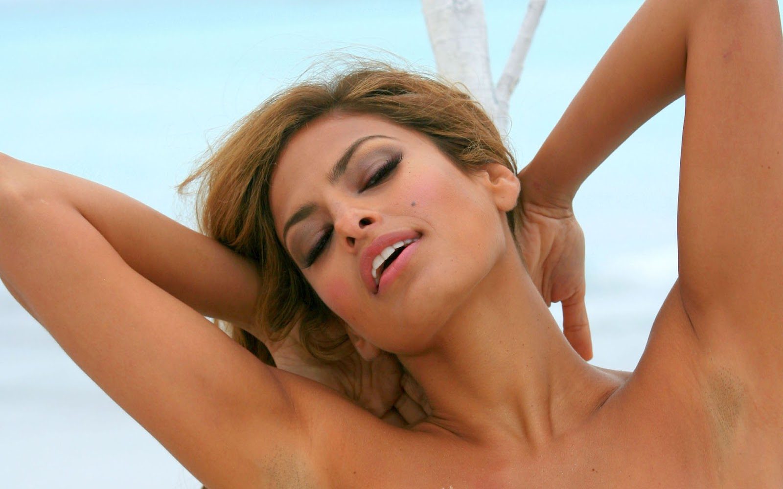Eva Mendes No Clothes Pictures,eva Mendes Sexy Pictures