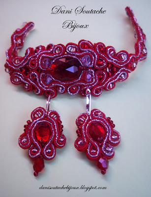 Conjunto composto de pulseira e brincos em soutache nas cores vermelho e prata