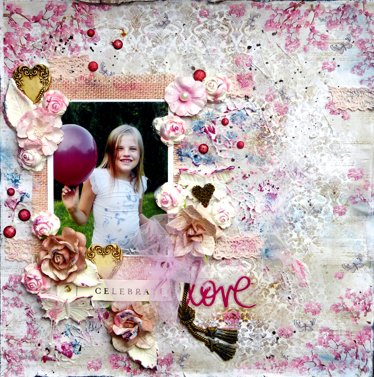 http://13pasji.blogspot.com/2014/10/love-layout-and-mixed-media-canvas-with.html