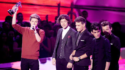 One Direction wins three awards at 2012 MTV MVA