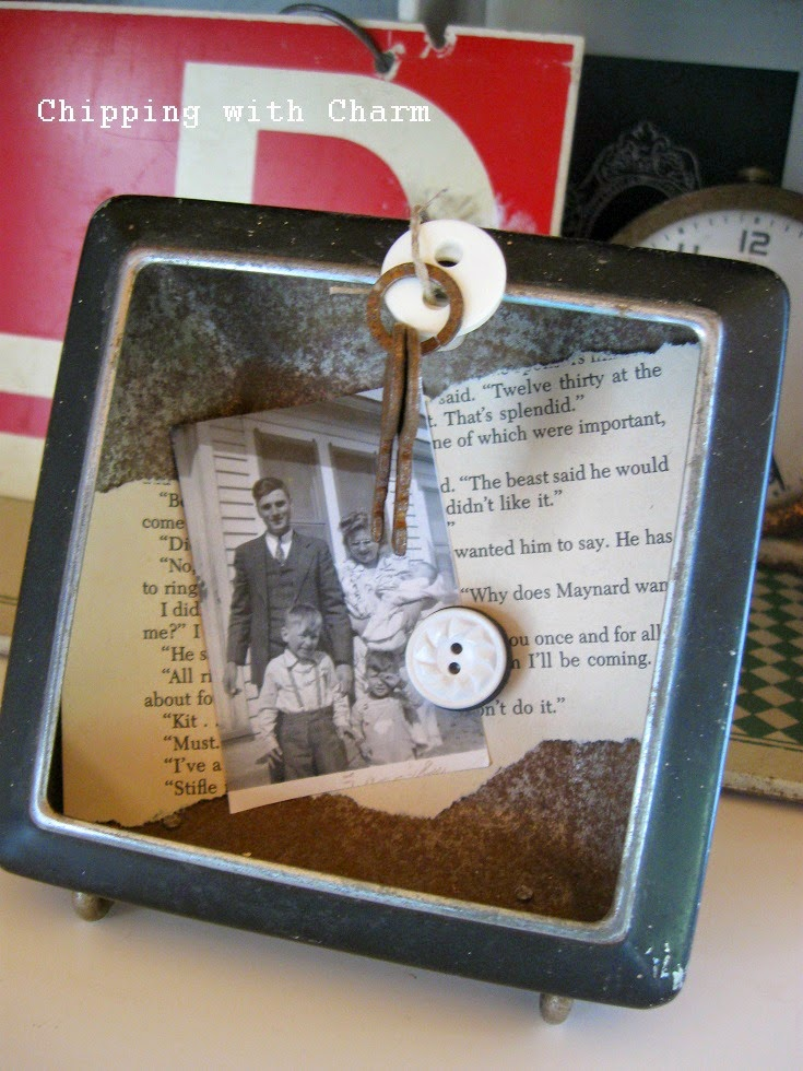 Chipping with Charm:  Empty Clock Photo Holder...http://chippingwithcharm.blogspot.com/