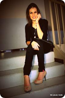 look, jean slim noir, pochette noire Mango, body bicolore Asos,