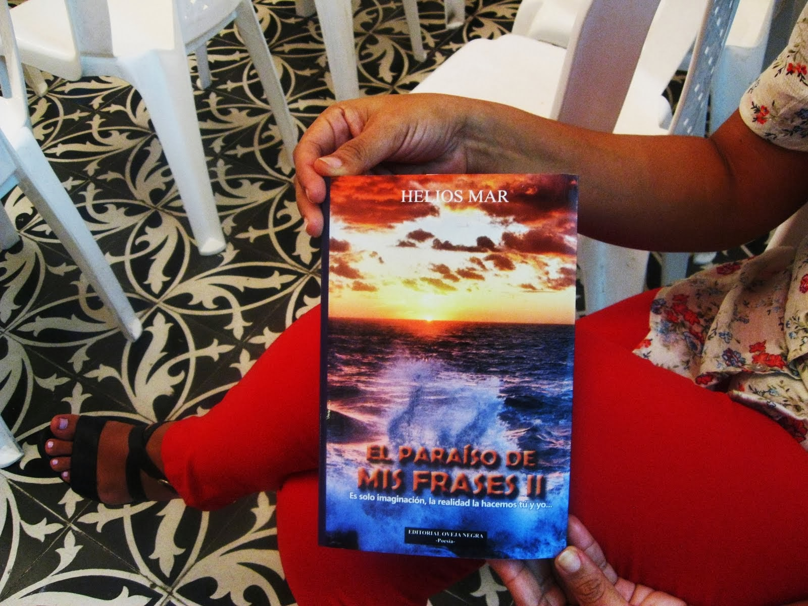 COMPRA EL PARAÍSO DE MIS FRASES II en las Librerías del país o digital.