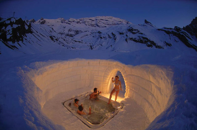 Outdoor Hottub Jacuzzi In The Matterhorn Mountains
