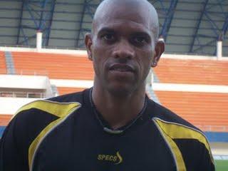 Keith Kayamba Belum Mau Melatih Sriwijaya FC