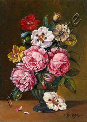 Rosas y pensamientos en un florero cerámico lobulado