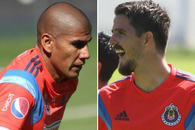 Carlos Salcido y Antonio Gallardo listos para jugar.