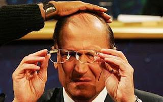 Cabide de emprego no governo tucano: nepotismo e irregularidades em nomeações do governo Alckmin