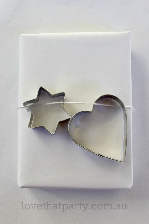 Simple Cookie Cutter Christmas Gift Wrap - Love That Party. www.lovethatparty.com.au