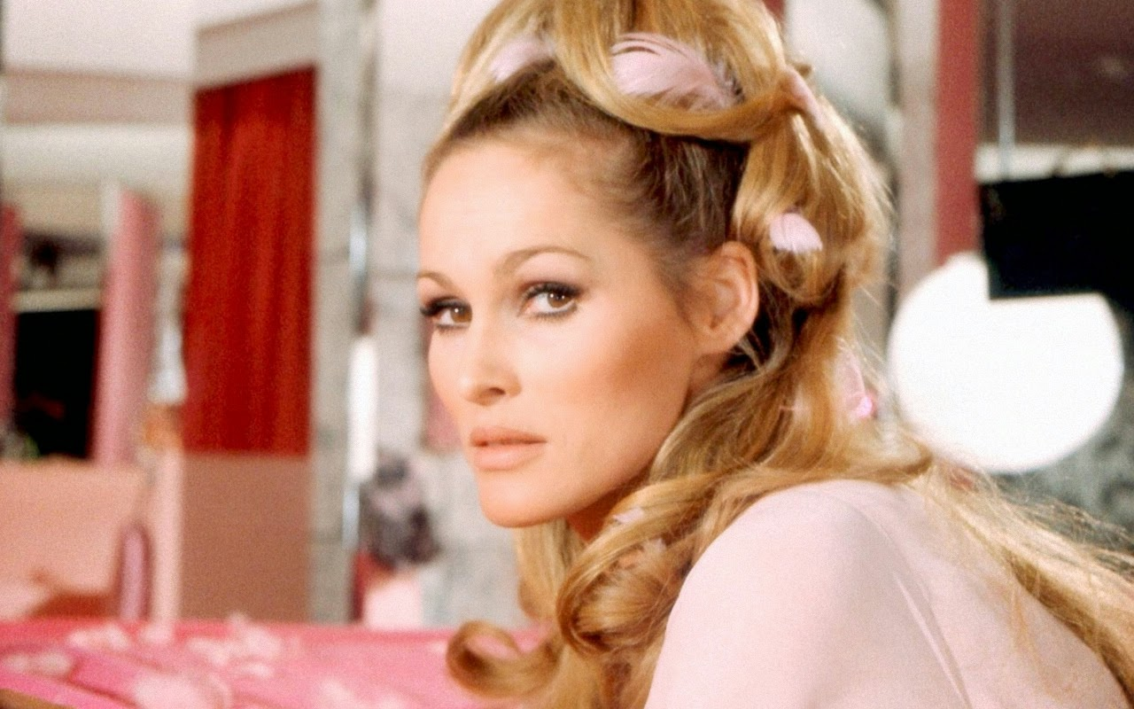 Ursula Andress 1280x800 Wallpapers Collection 9 Wallpapers