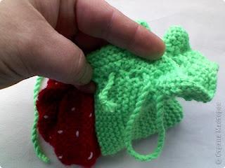 Anlatımlı çilek şeklinde bebek patiği