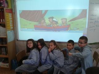 http://www.kizoa.es/diapositivas/d2465948k3962815o1/a-project-and-a-river-adventure