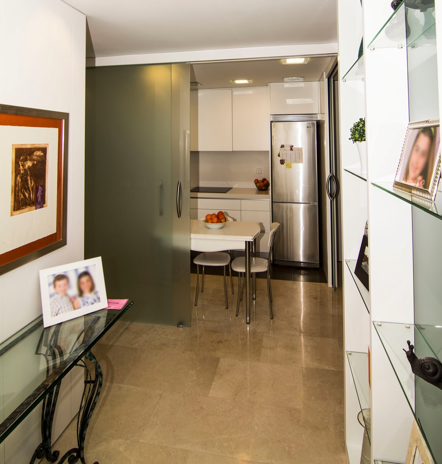 Nivel diez cocina abierta al sal n for Cocinas abiertas al pasillo