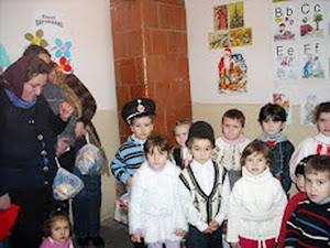 Beneficiari ai Fundaţiei - sat Rădineşti, Gorj 2011