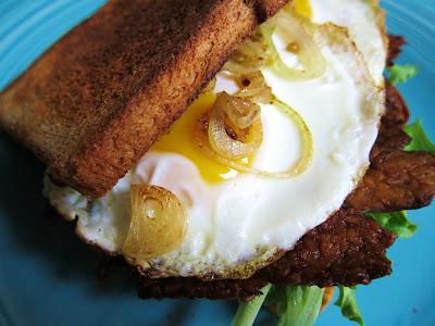 Garlic and Sea Salt: Fried Egg and Tempeh Bacon Sandwich ...
