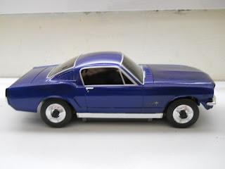coche miniatura ford mustang controlado a distancia