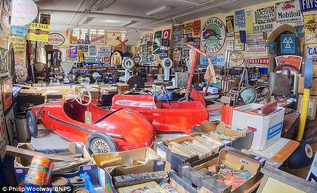 news article told come handy junk hoarder auction collection running space