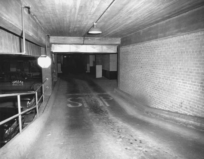 Dvp 39 s jfk archives how did jack ruby get into the police for Basement access from garage