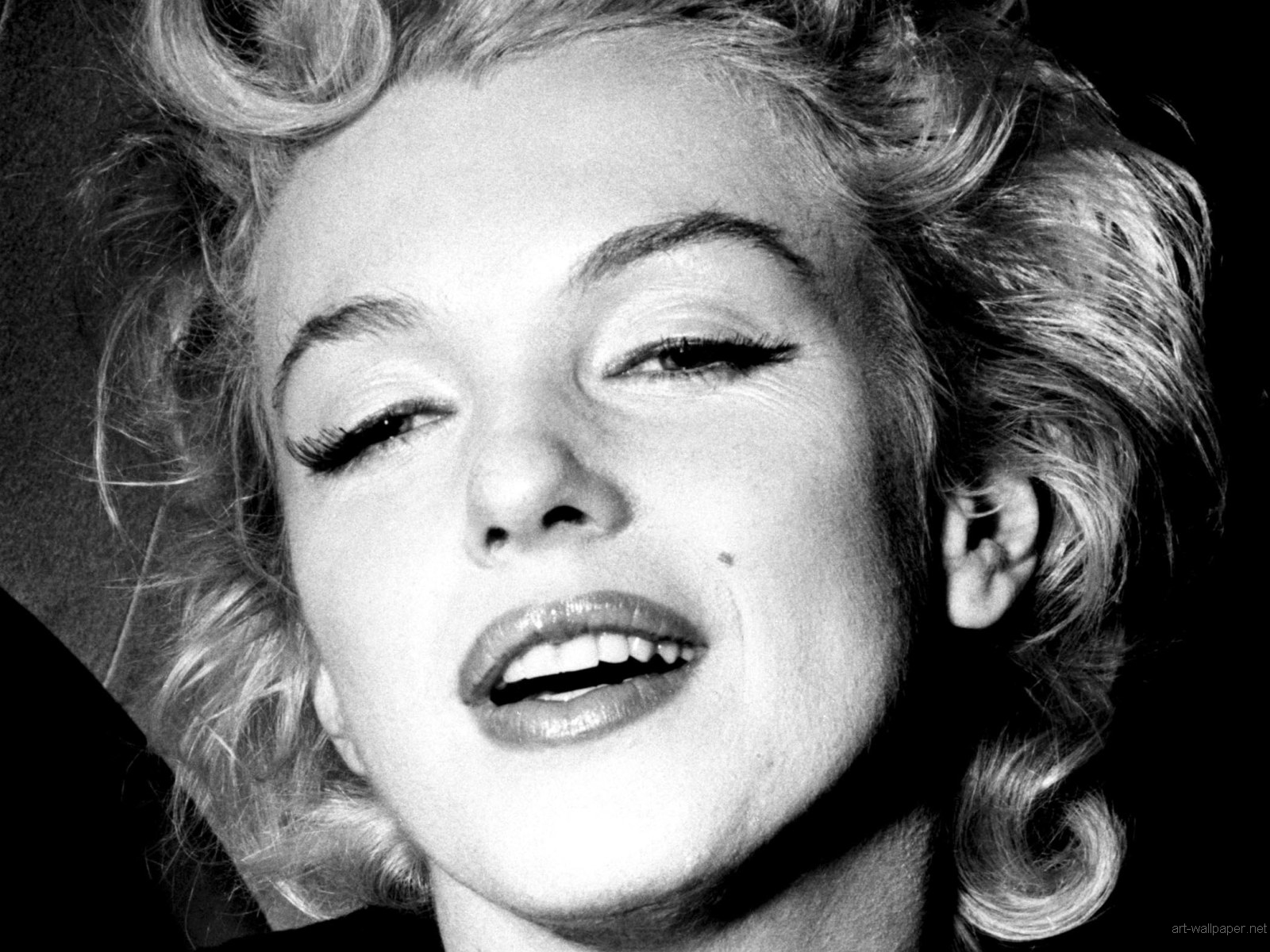 real trends for real women recordando a marilyn. Black Bedroom Furniture Sets. Home Design Ideas