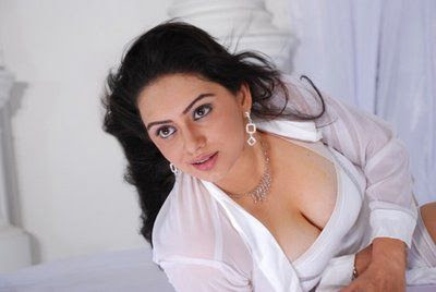 Hot Tamil Actress Hema Malini Photos