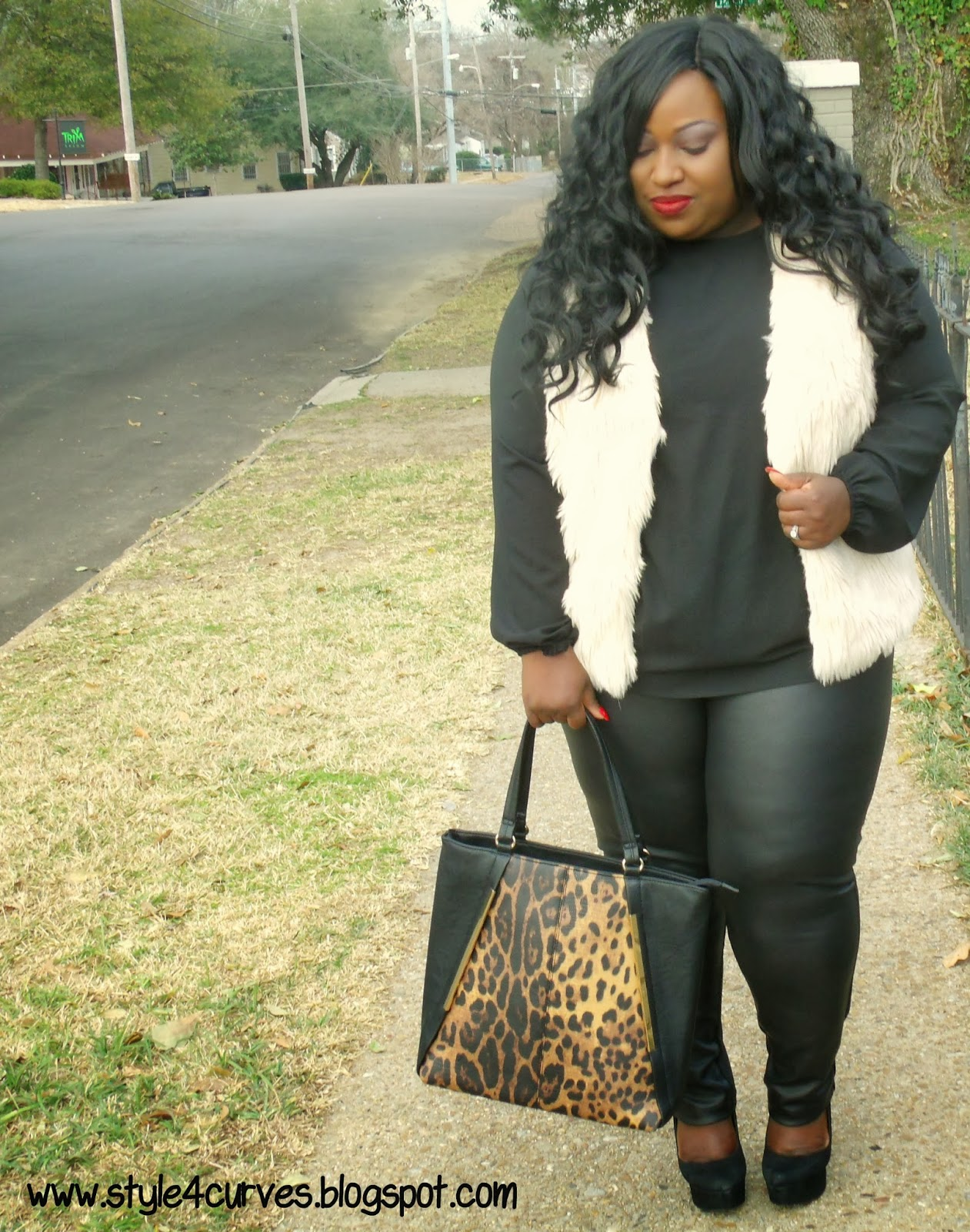 Style 4 Curves --For the Curvy Confident Woman: FUR-REALNESS