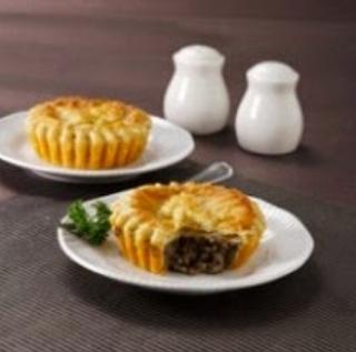 http://resepkue2014.blogspot.com/2014/10/resep-membuat-kue-australian-meat-pie.html