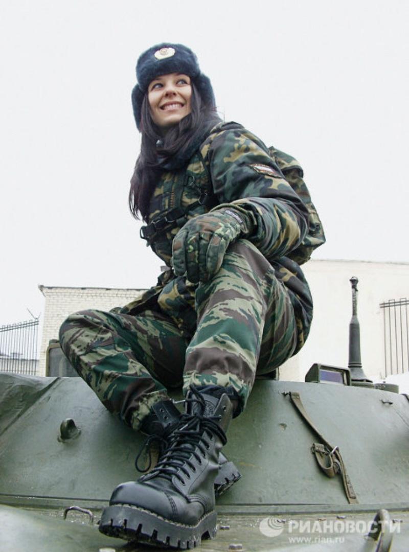 Russian Women Army in Militari Training of War | Women Army | 800 x 1080 jpeg 84kB