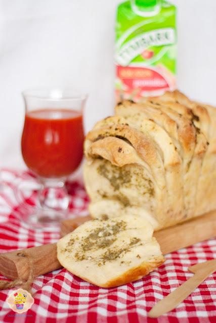 odrywany chlebek z pesto, odrywany chlebek z pesto i czosnkiem, odrywany chlebek, odrywany chlebek przepis