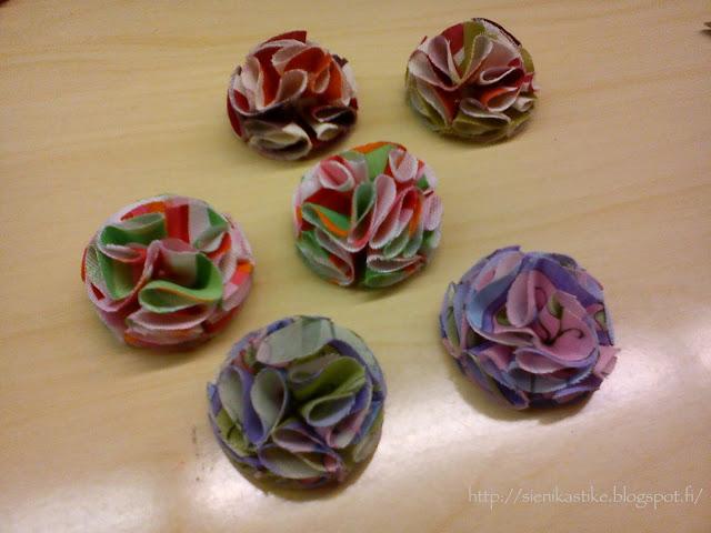 uudet kangaskukkaset, kukkaset, kukat, kukkia, kankaasta, fabric flowers