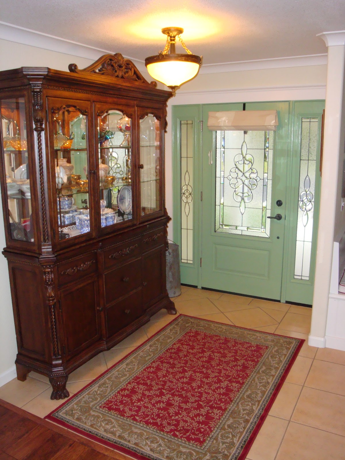 Hutch in the Entryway - Home Is Where The Heart Is: Hutch In The Entryway