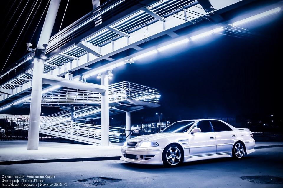 Toyota Mark II X100, japoński driftowóz, sedan, auta nocą, fotki, galeria, jdm, tuning