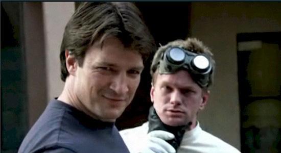 Neil Patrick Harris, Nathan Fillion v seriály Jossa Whedona. Mňam.